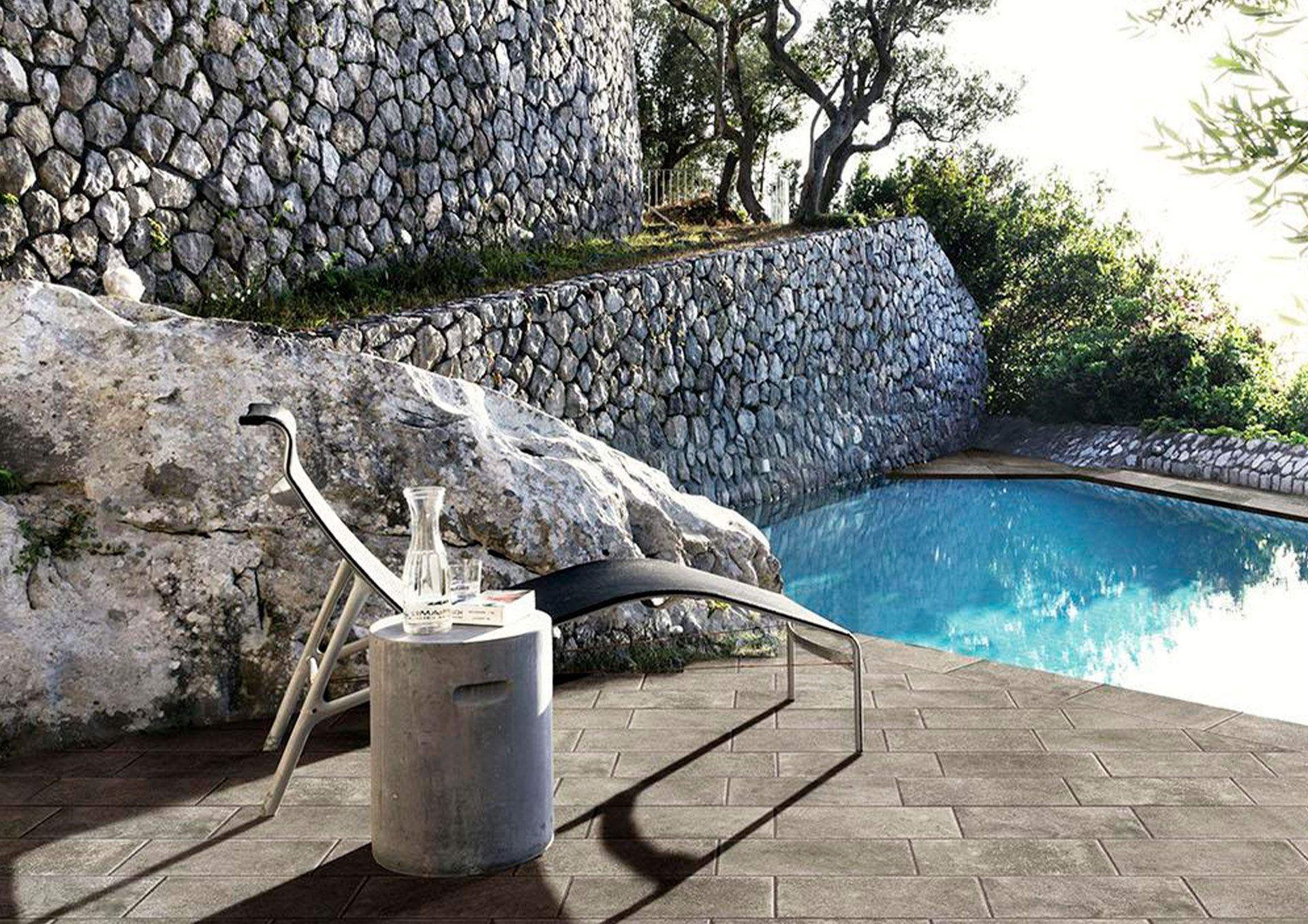 suelos para piscina y jardin en cantabria